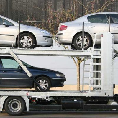 City car-carrier Lohr from the Solo range, loading with 3 sedans.