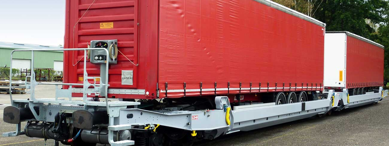 2 Lohr UIC wagons loaded with truck trailers.