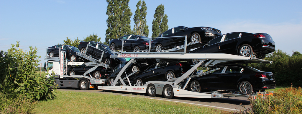 Car-carrier Lohr, Eurolohr 2.53 WXS New loaded with 9 sedans.