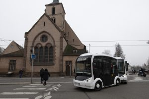 2 shuttles Cristal, coupled, moving in Strasbourg, France, for a test phase in winter 2018-2019.